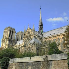 Vzpomínka na Notre-Dame. /foceno z lodní paluby/