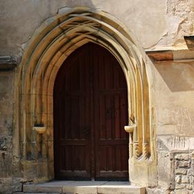 Kostel svatého Petra a Pavla.