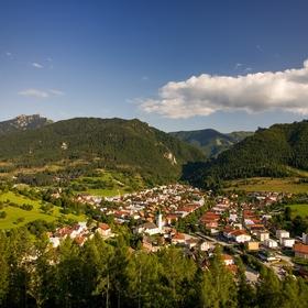 Pohled z rozhledny Těrchovské srdce na Těrchovou a Vrátnou dolinu