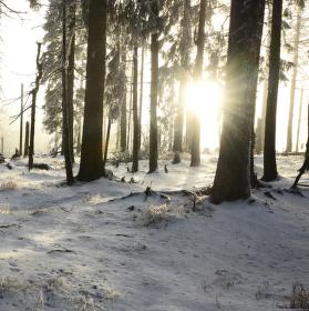 Západ slunce na Jezerní hoře.
