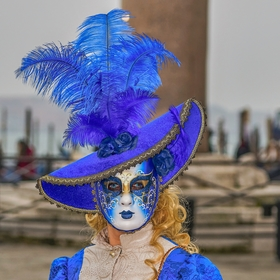 Blondýnka v modrém,Benátky 2020