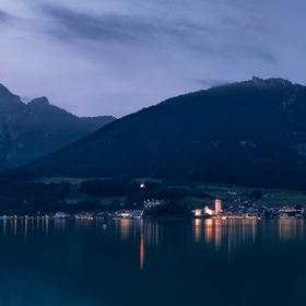 Tmavomodrý večer u Wolfgangsee.
