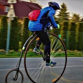 scifi cyklista...