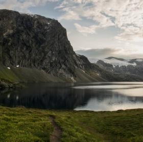 Jezero pod Dalshnibbou (Norsko)