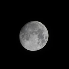 Sviť, měsíčku, sviť