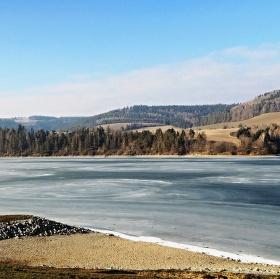 Křetínská přehrada v zimě