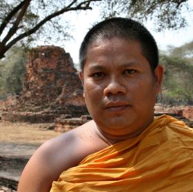Zpocený mnich