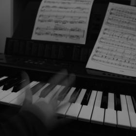 Nadějný (?) pianista