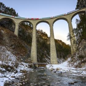 Landwasserviadukt a Glacier Express