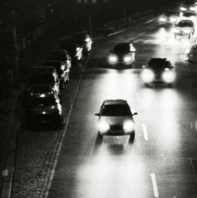 Noční pražská silnice