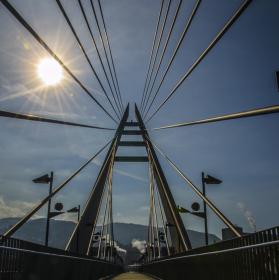 slunečný most