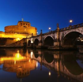 Andělský hrad v Římě po západu slunce