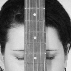 0116_guitar girl