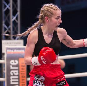 Andělská tvář - Galavečer boxu v Plzni