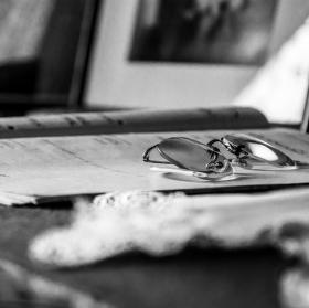 Na psacím stole