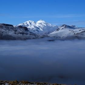 Hory v moři oblaků