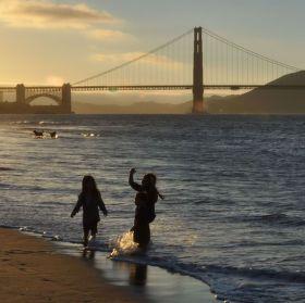 Západ slunce u Golden Gate Bridge