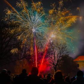 Novoroční ohňostroj - Budyně n.O. 1.1.2017