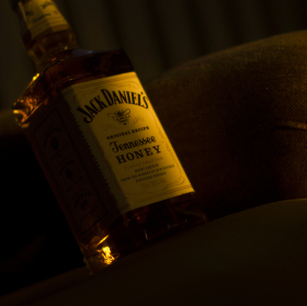 "Jack Daniel's"" Honey, Tennessee whiskey"