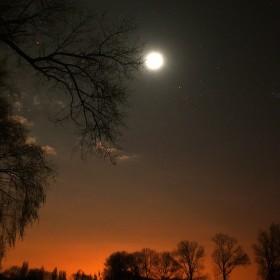Noční obloha nad Kostomlaty