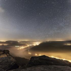 Noční Bad Schandau z Liliensteinu