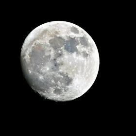 """"""" Sviť měsíčku sviť """""""
