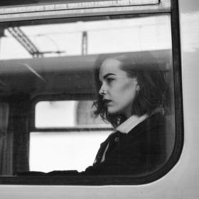 Dívka ve vlaku II.