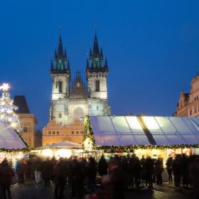 Příběh Vánoc na Staroměstském náměstí
