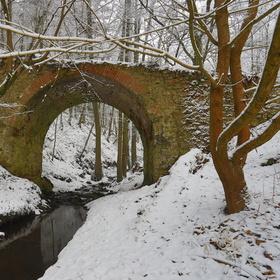Oslavka čertuv most