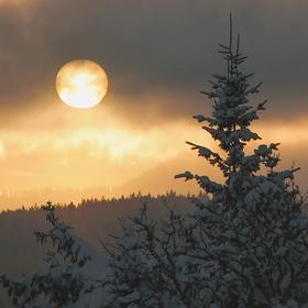 Tehdy zapadalo slunce nad Modravou ...