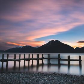 zapad slunce u jezera Wakatipu