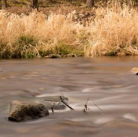 Jarní řeka