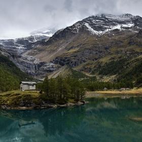 Ledovcové jezero Lagh da Palü