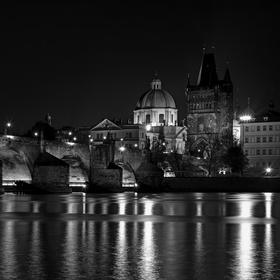 Karlův most-Staroměstská mostecká věž ČB