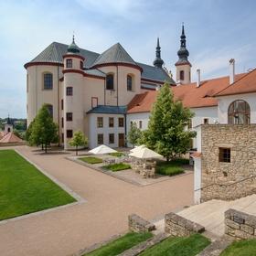 Kostel Nalezení svatého Kříže z klášterní zahrady