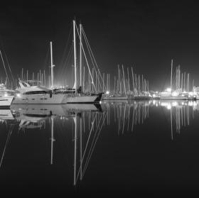 noc v marině