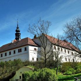Františkánský klášter v Kadani (z druhé strany:o))