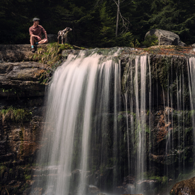 Odpočinek nad vodopádem