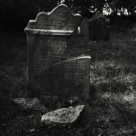 ...zub času...židovský hřbitov.....IV.