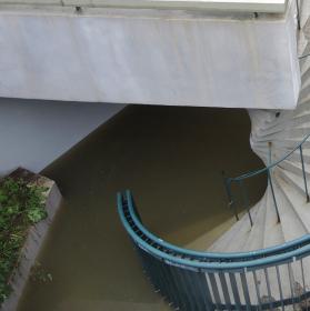 Podchod pod vodou