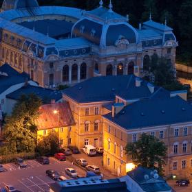 Divadlo Husovka