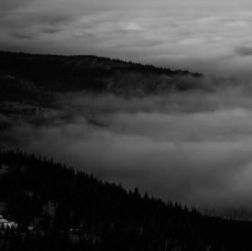 Úpatí mlžných hor