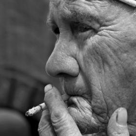 Jára Cimrman kouřící