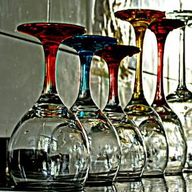 skleničky vyzařující svuj příběh