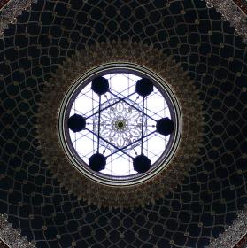 Symetrie - kupole Španělské synagogy