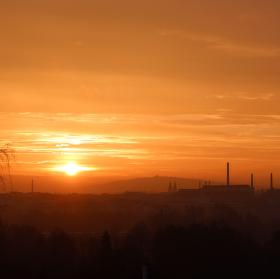 Východ slunce nad Plzní