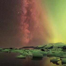Mléčná dráha kontra Aurora Borealis