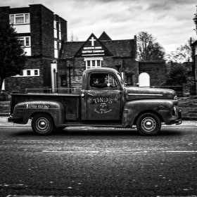 london,black and white