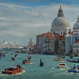 """""""dopravní špička"""" v Benátkách"""