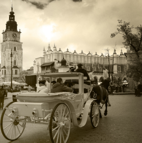 Krakovské náměstí s koňským povozem